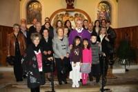 Foto de família amb els familiars de Mons Sebastià