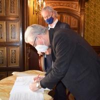 Cáritas Urgell recibe una ayuda de 20.000 euros de la Fundación La Caixa